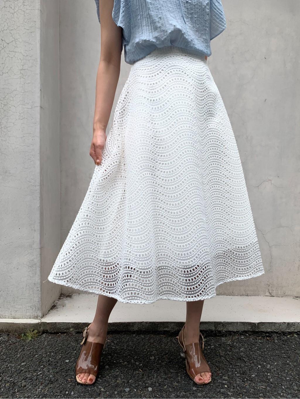 刺繍フレアスカート