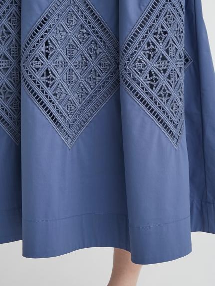 バックリボン刺繍ワンピース   CWFO212022