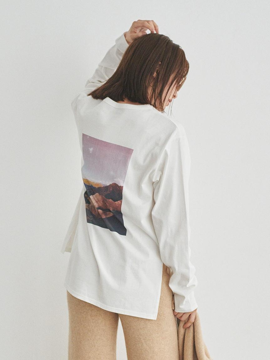 【emmi atelier】グラフィックロングTシャツ