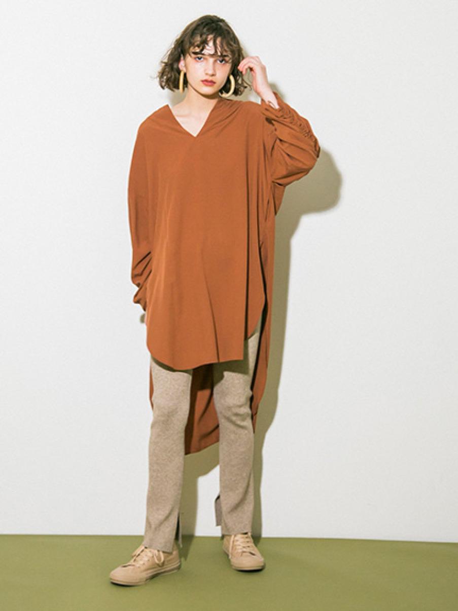 【emmi atelier】バックギャザーロングシャツ(BRW-0)
