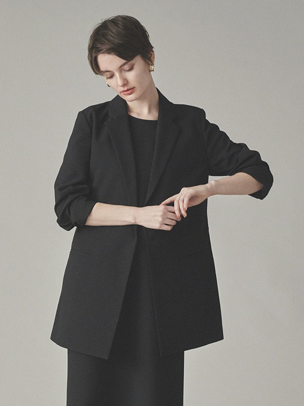 【emmi atelier】バックデザインジャケット(BLK-0)