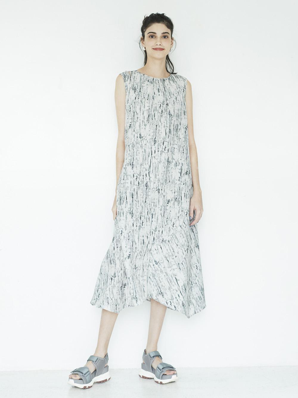 【emmi atelier】アースプリントドレス(GRY-0)