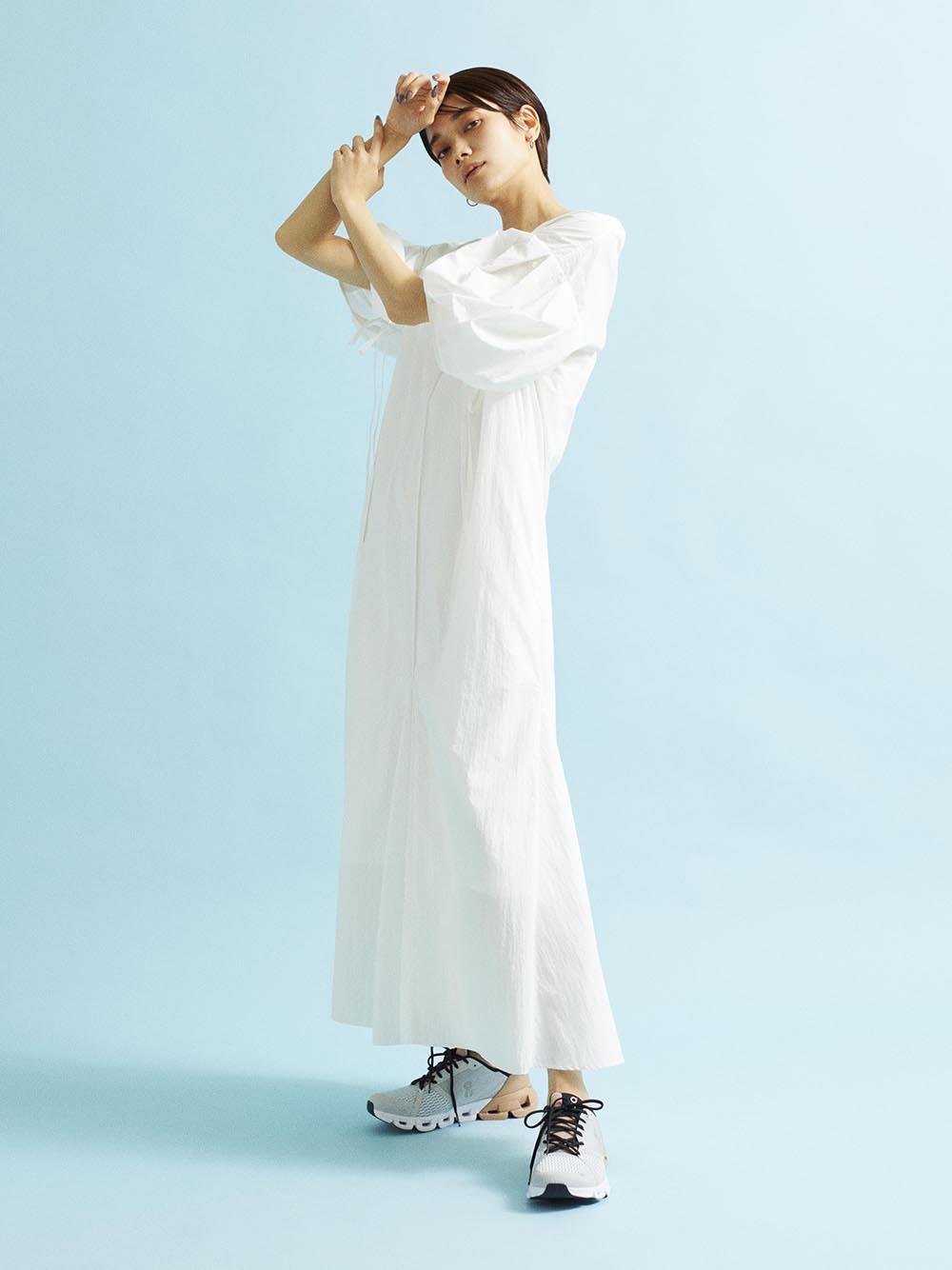 【emmi atelier】ナイロン袖ギャザーワンピース(OWHT-0)