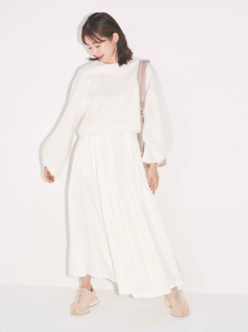 【emmi atelier】ダンボールプルオーバーSetスカート