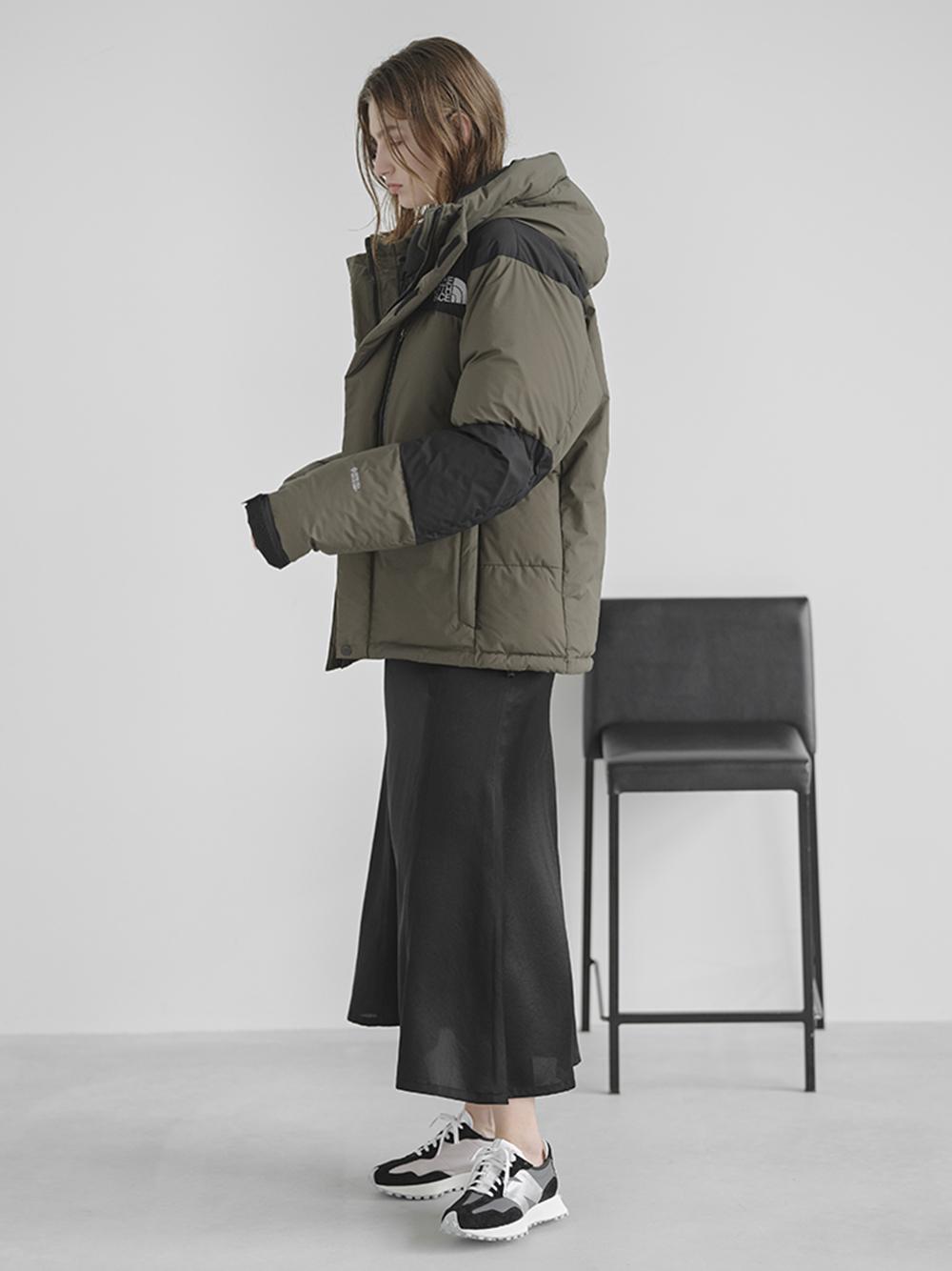 【emmi atelier】ハイウエストサテンスカート(BLK-0)