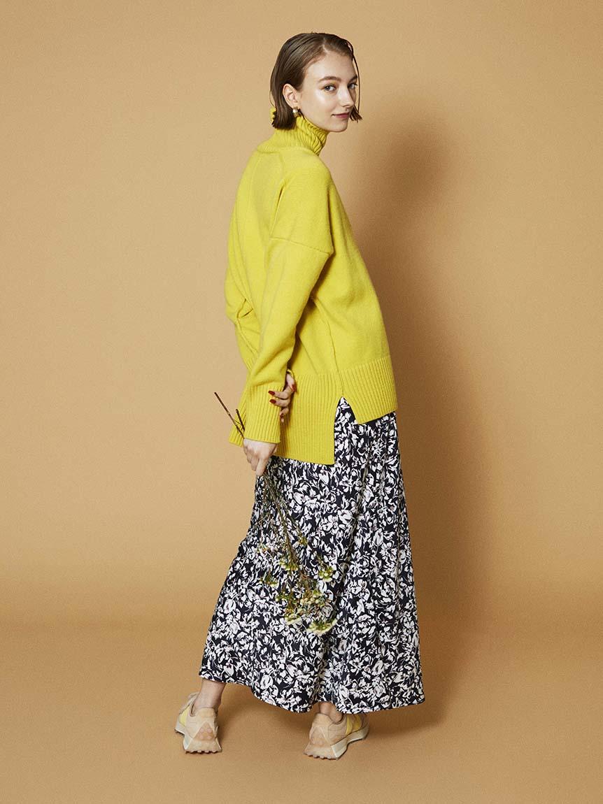 【emmi atelier】フラワープリントナロースカート(BLK-0)
