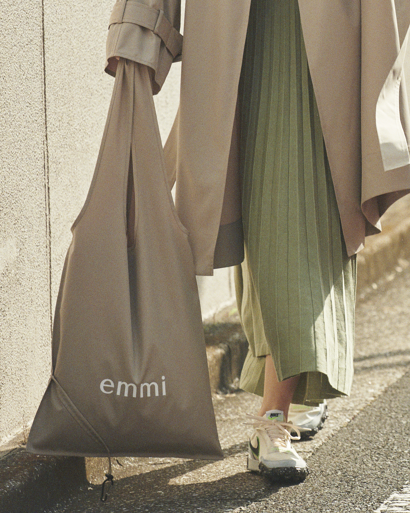 【emmi atelier】emmiロゴポケッタブルトート