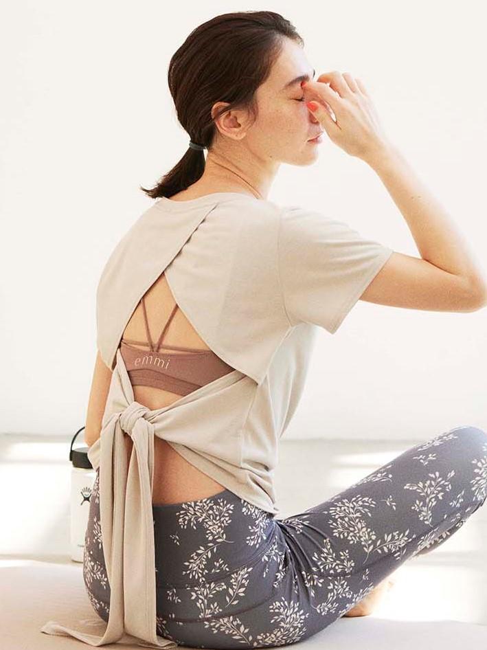 【emmi yoga】バックリボントップス&ブラトップset(BEG-F)