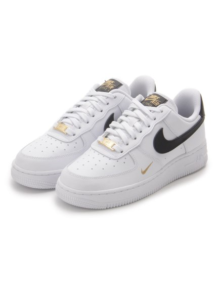【NIKE】WMNS AIR FORCE 1 '07 ESS(WHT-22.5)