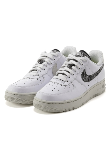 【NIKE】WMNS AIR FORCE 1 '07 SE(WHTxBLK-23.0)