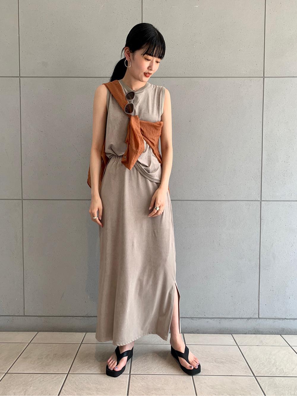 ベロアスリットスカート(BEG-F)