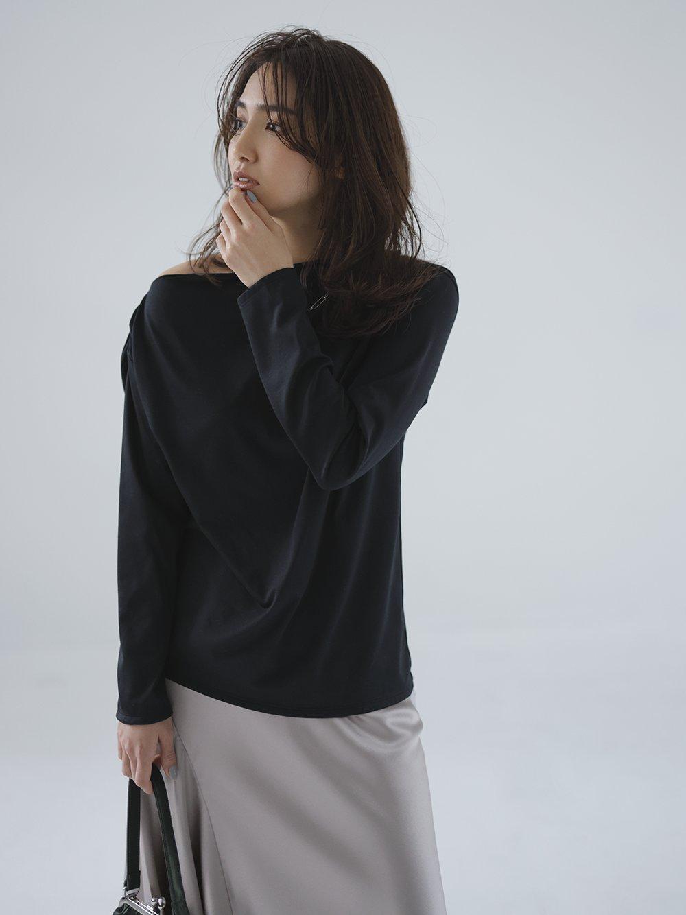 アシメネックラインTシャツ(BLK-F)