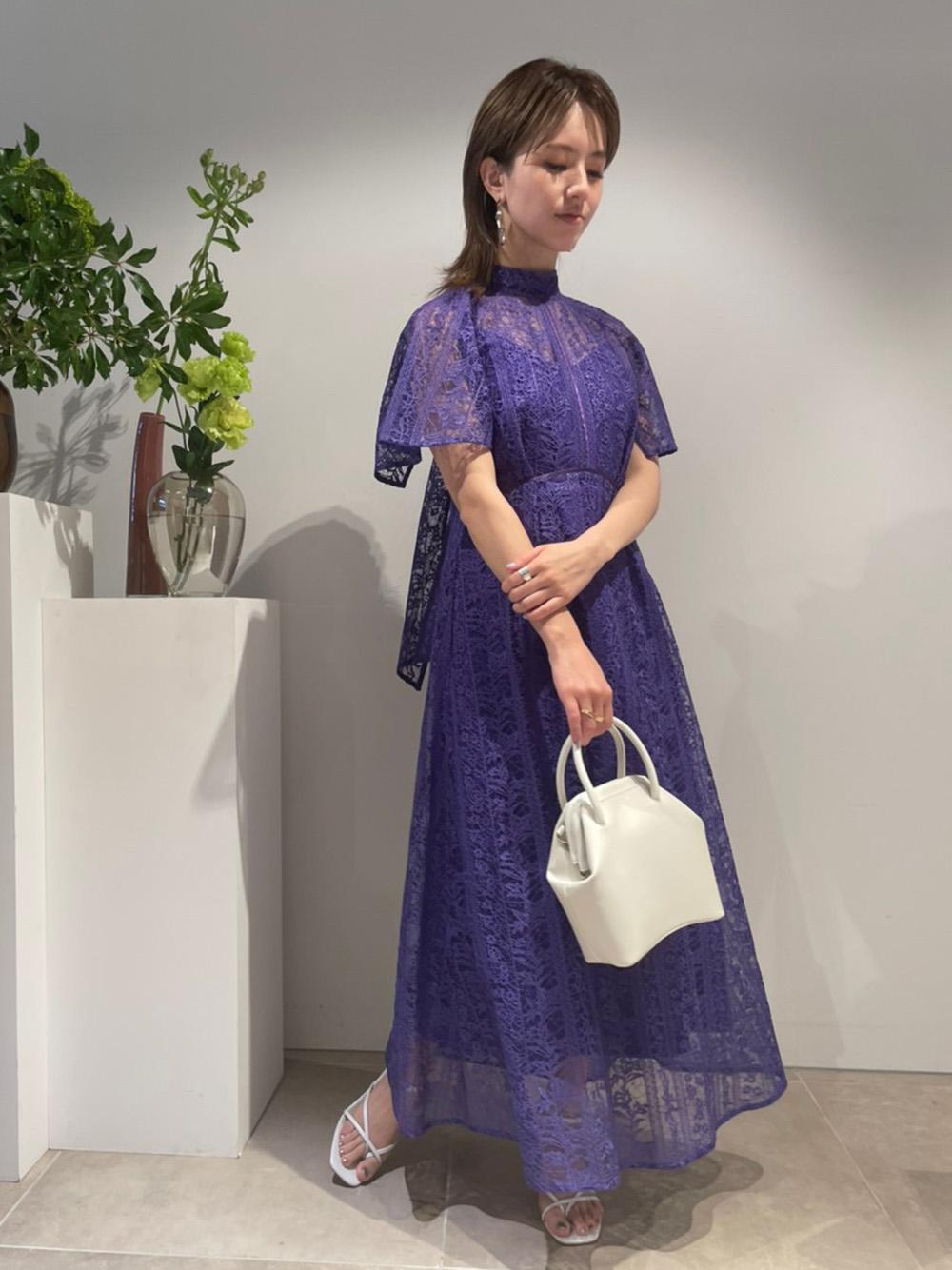 フローティング刺繍ドレス