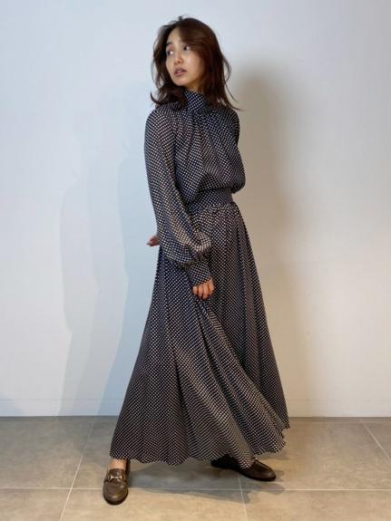 サテンギャザーフレアマキシスカート