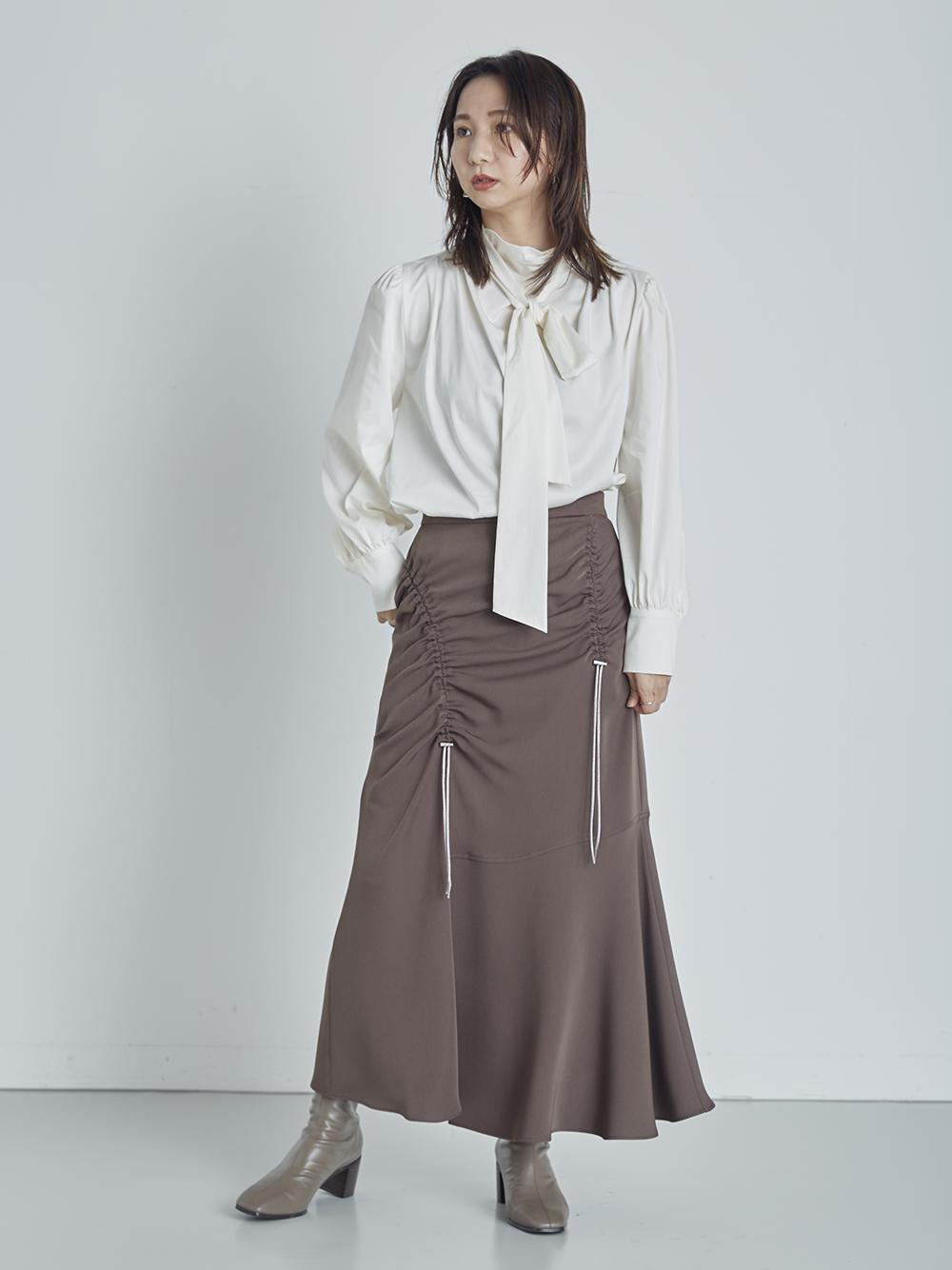 ドロストアシメスカート