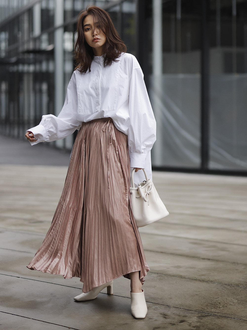 割繊チンツプリーツスカート