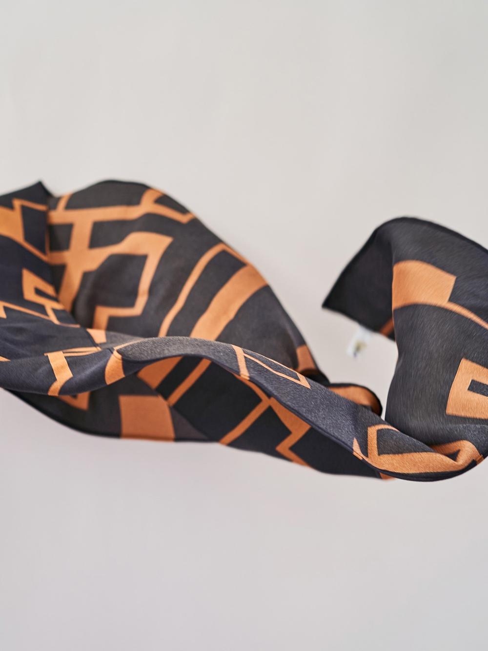 オリジナル柄スカーフ(BLK-F)