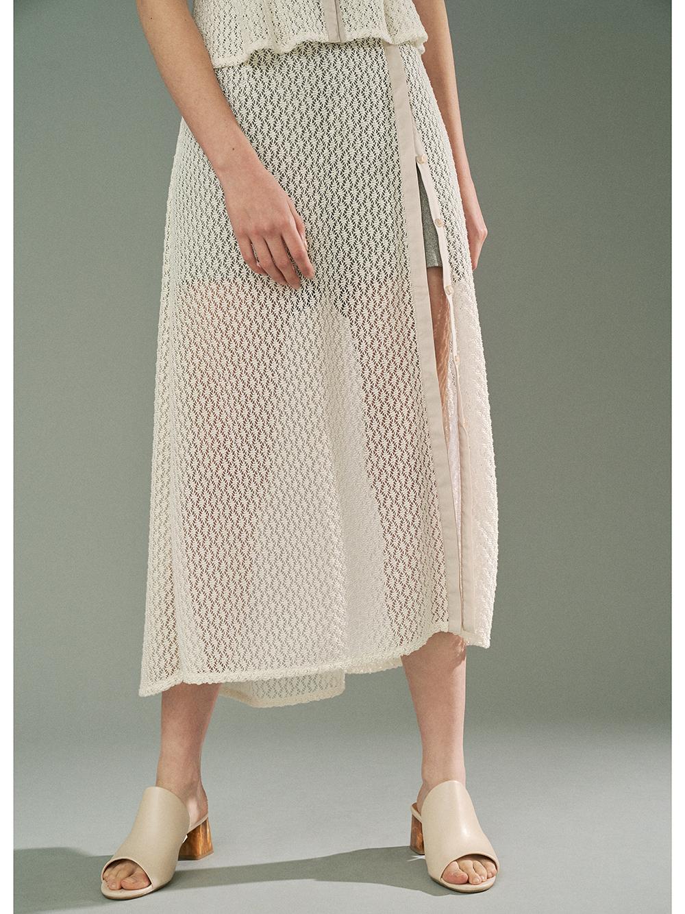 ショートパンツ付き透かしスカート
