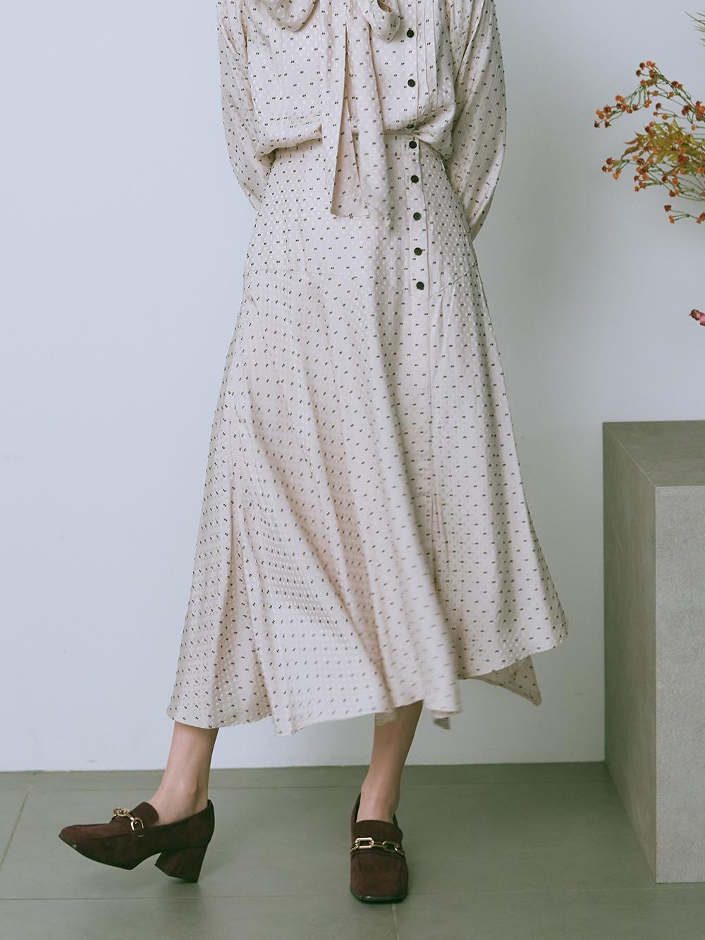 カットジャガードスカート