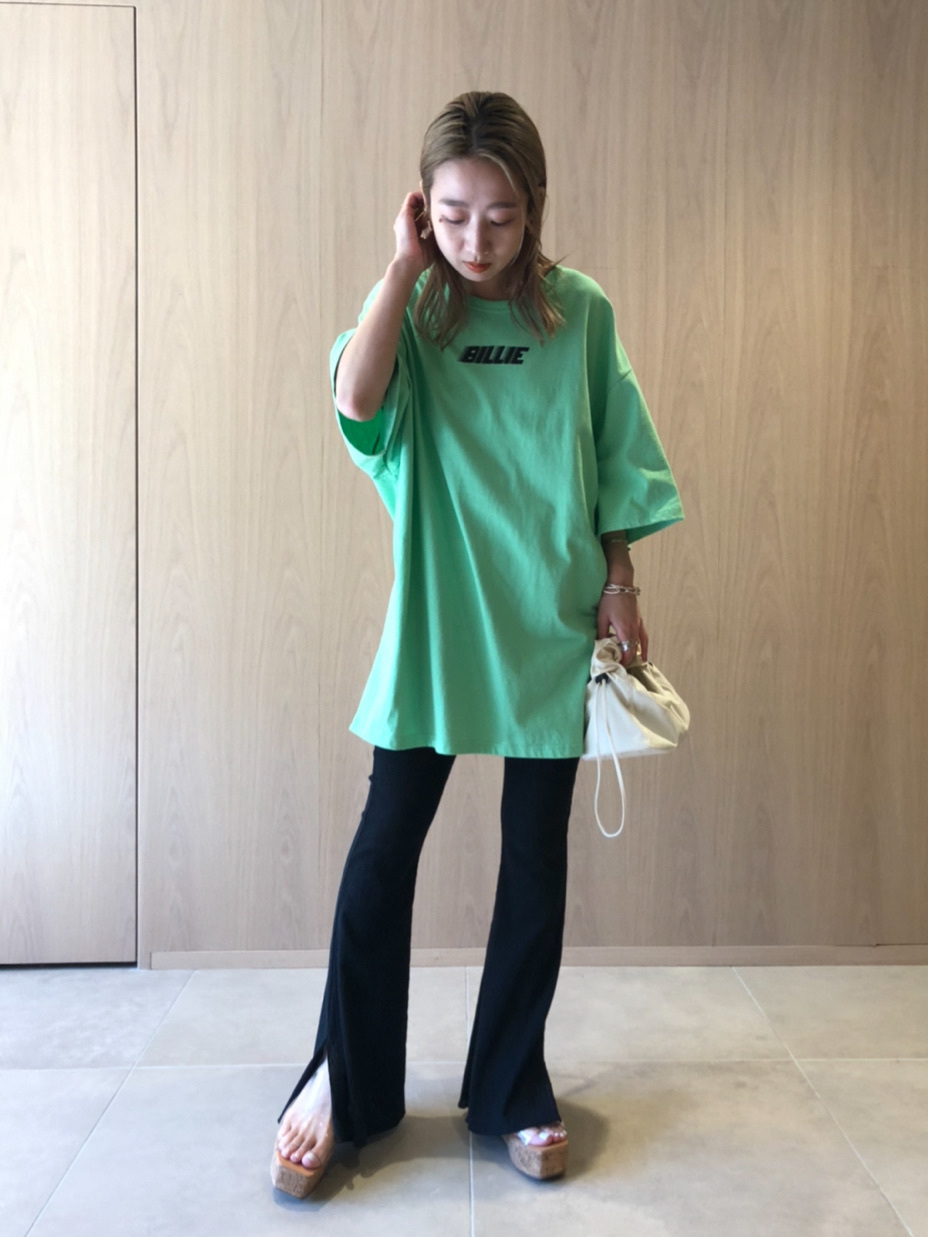 【SNIDEL feat. BILLIE EILISH】 Tシャツ(GRN-F)