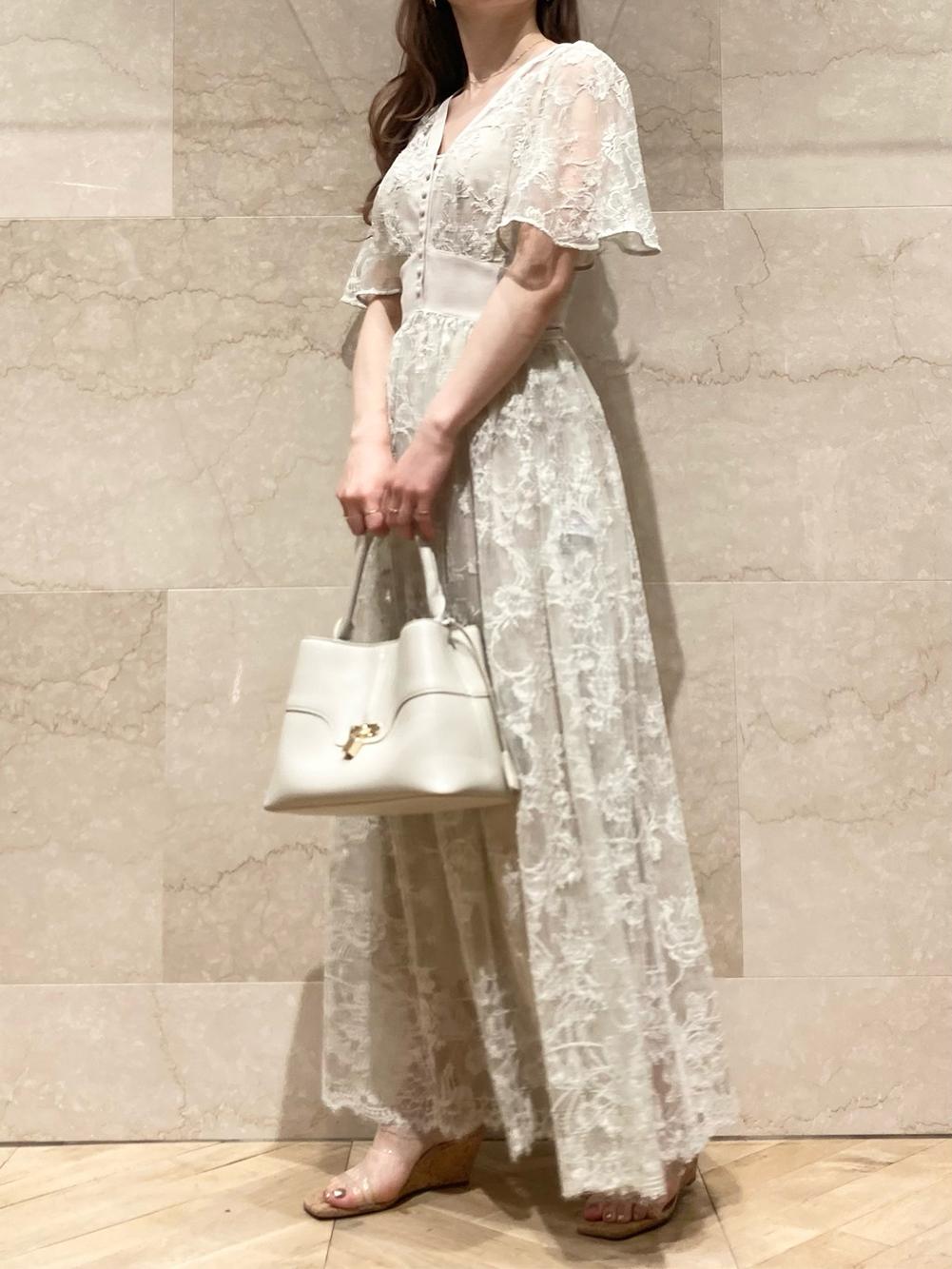 スイッチングレースドレス