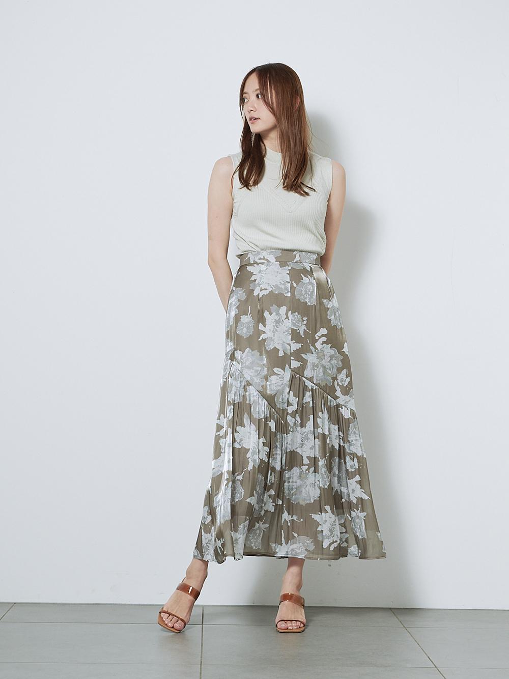 プリントタイトナロースカート